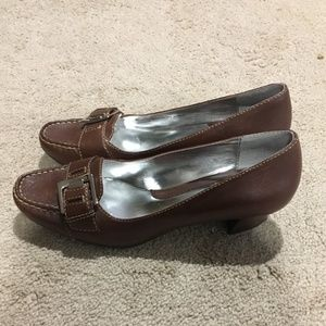 Naturalizer Shoes - Naturalizer Women's brown leather loafers Sz 9M